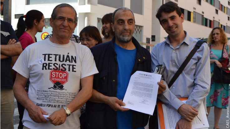2015 press conference to announce the admission for processing by the UN of the complaint against Spain for the eviction of the family of Mohamed Ben Djazia. Photo: CAES_Asesori