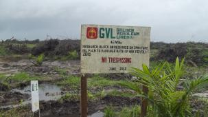 Enseigne Entrée Interdite de Golden Veroleum. Restriction des déplacements des communautés autochton